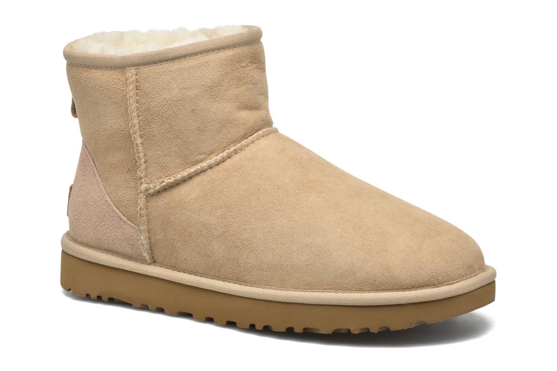 Bottines et boots UGG W Classic Mini II Marron vue détail/paire