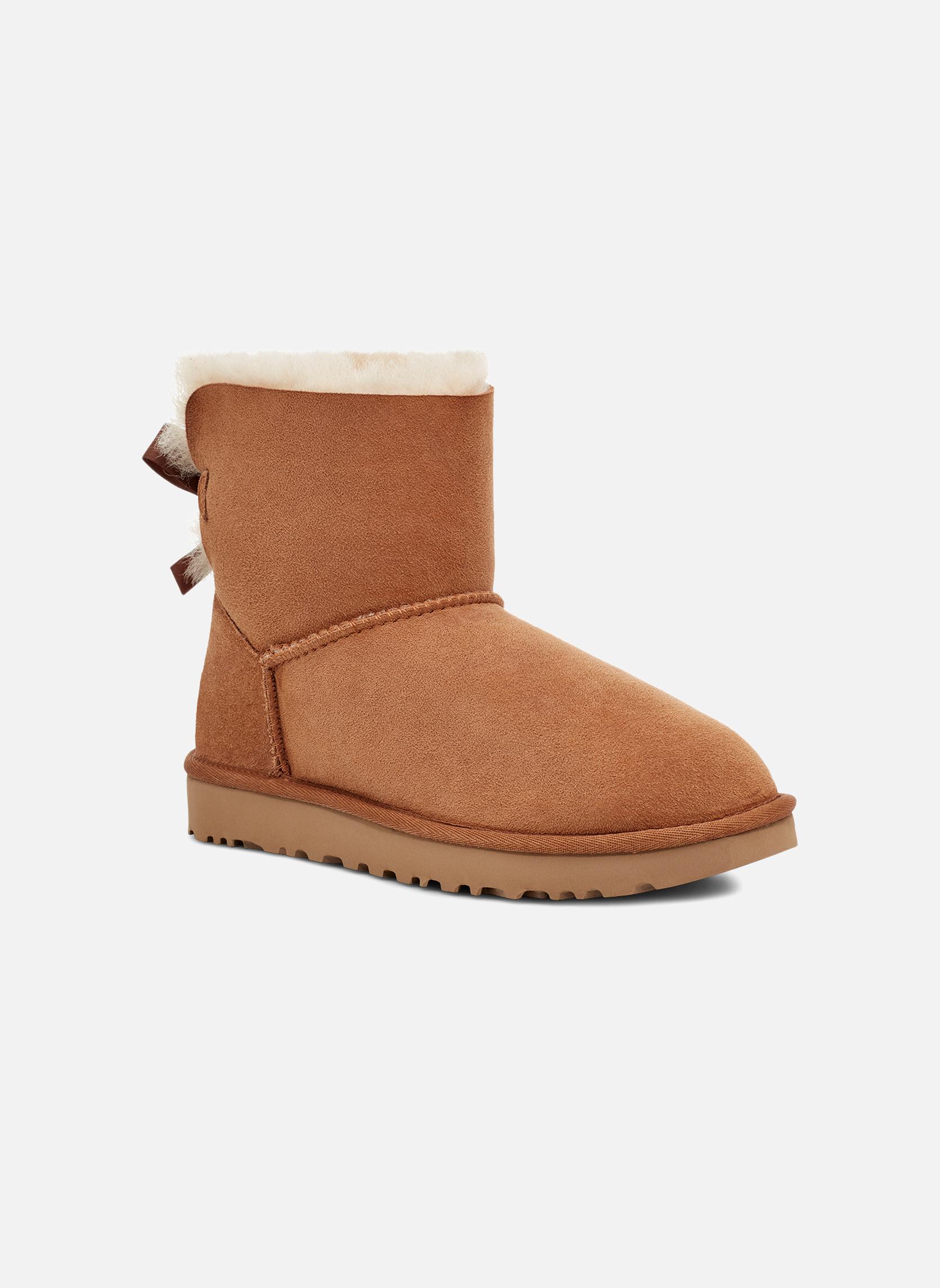Bottines et boots UGG W Mini Bailey Bow II Marron vue détail/paire