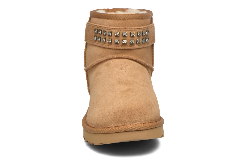Bottines et boots UGG W Neva Deco Studs Marron vue portées chaussures