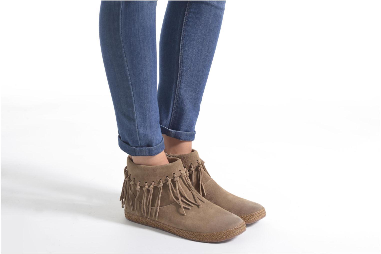 Bottines et boots UGG W Shenendoah Marron vue bas / vue portée sac