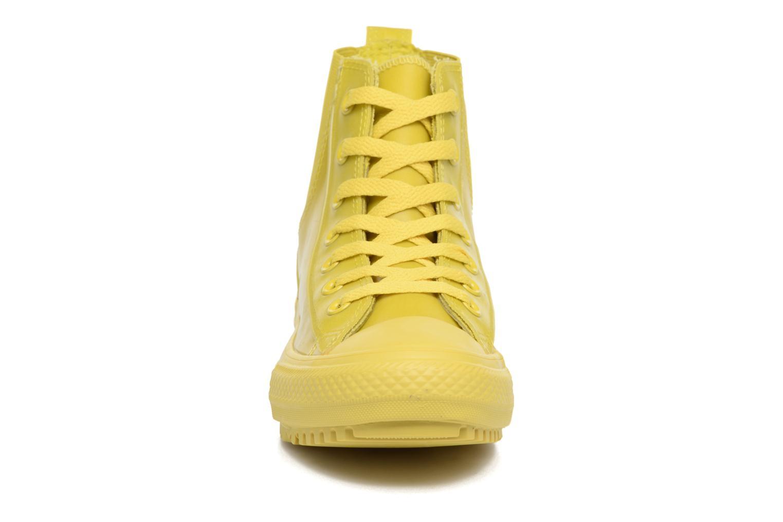 Baskets Converse Ctas Chelsea Boot Rubber Hi Jaune vue portées chaussures