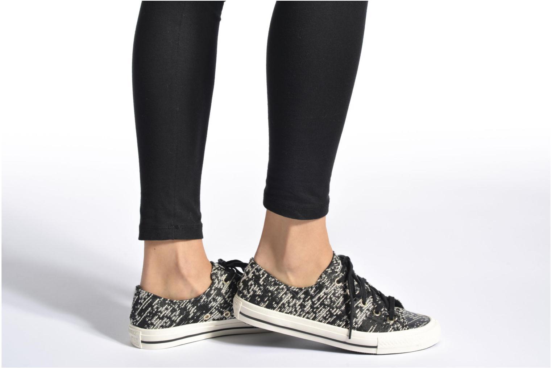Sneaker Converse Chuck Taylor All Star Gemma Ox schwarz ansicht von unten / tasche getragen