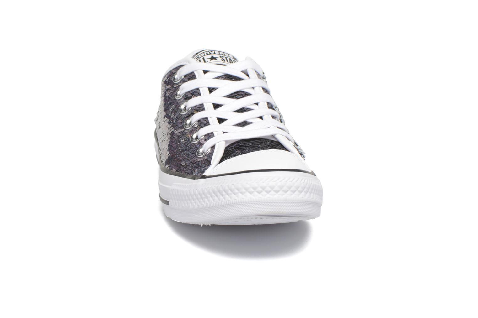 Sneakers Converse Chuck Taylor All Star Iridescent Sequin Ox W Grigio modello indossato