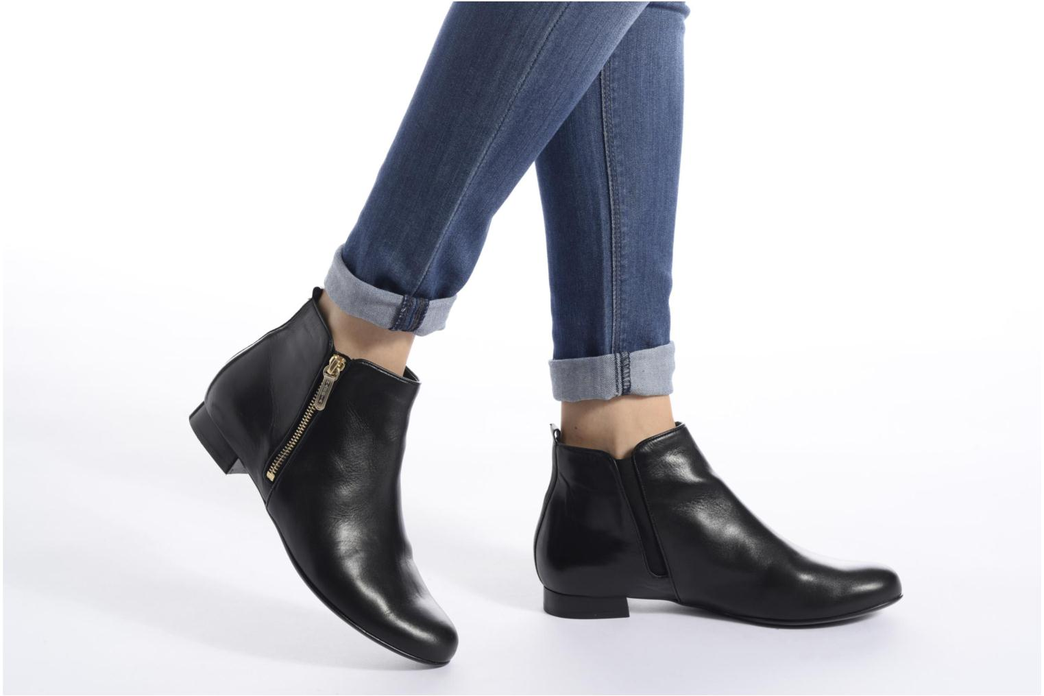 Ankle boots Hassia Fermo 1081 Black view from underneath / model view