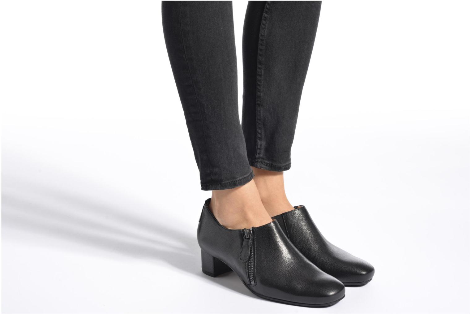 Ankle boots Hassia Verona 3653 Black view from underneath / model view