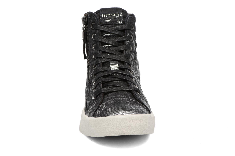 Baskets Diesel D-String Plus W Argent vue portées chaussures