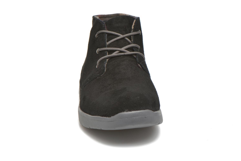 Chaussures à lacets UGG Canoe Suede Noir vue portées chaussures