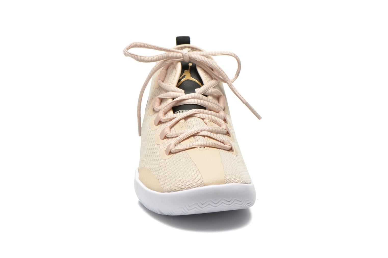 Sneakers Jordan Jordan Reveal Prem Rl Gg Beige modello indossato