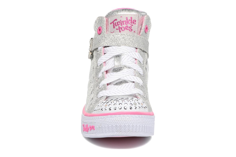 Baskets Skechers Shuffles Sweetheart Sole Argent vue portées chaussures