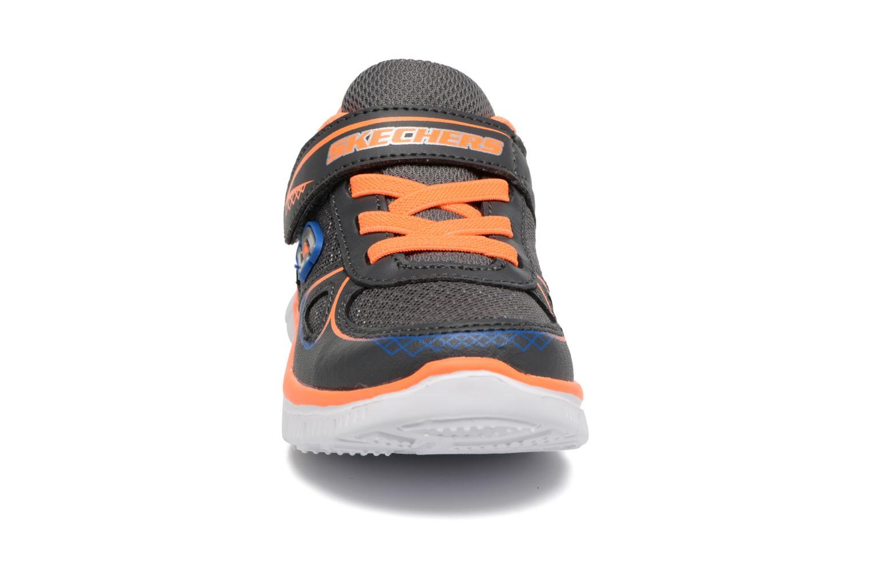 Sneaker Skechers Flex Advantage Mini Race grau schuhe getragen