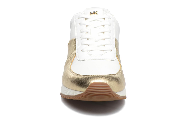 Baskets Michael Michael Kors Allie Wrap Trainer Blanc vue portées chaussures