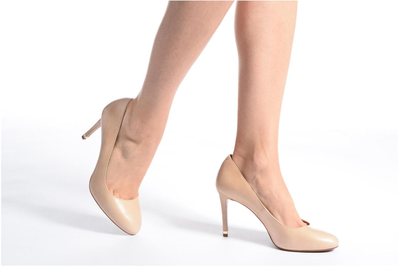 High heels Michael Michael Kors Ashby Flex Pump Black view from underneath / model view