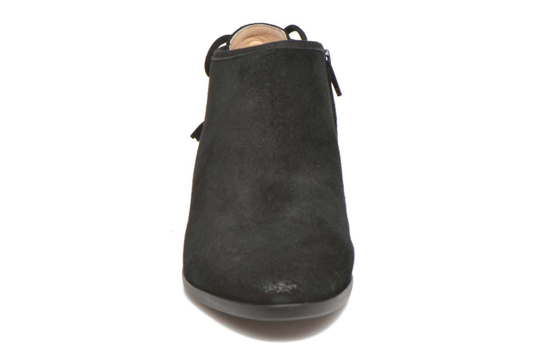 Botines  Michael Michael Kors Jennings Flat Bootie Negro vista del modelo