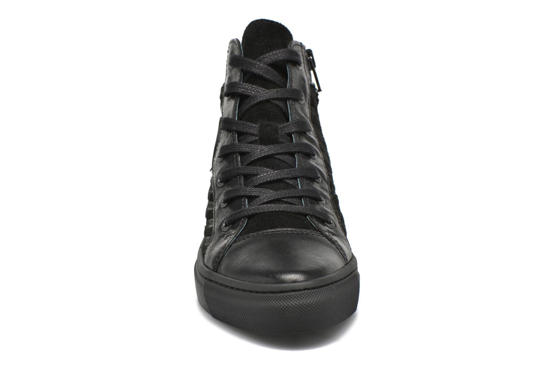 Baskets Pataugas Yoko/O Noir vue portées chaussures