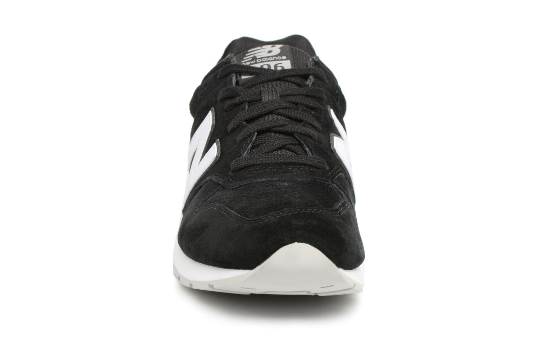 Baskets New Balance MRL996 D Noir vue portées chaussures