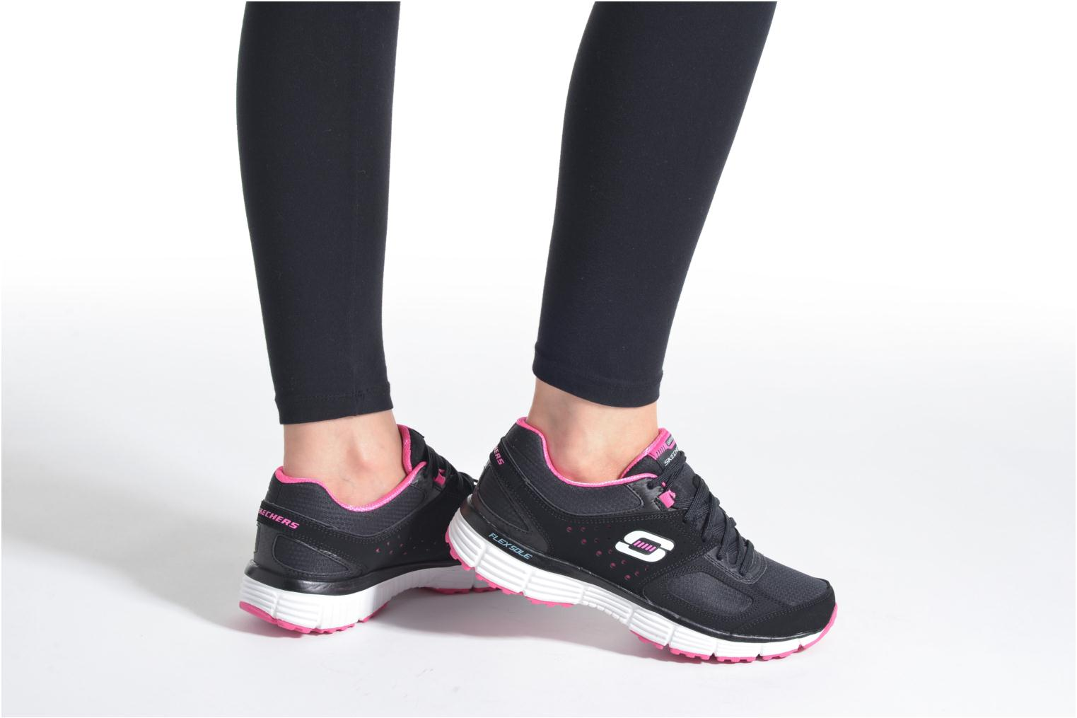 Sport shoes Skechers Agility - Ramp Up Black view from underneath / model view