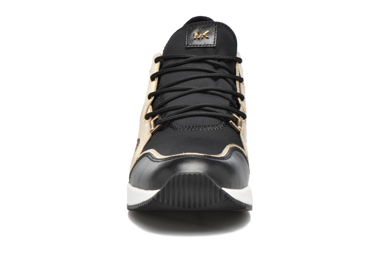 Baskets Michael Michael Kors Scout Trainer Or et bronze vue portées chaussures