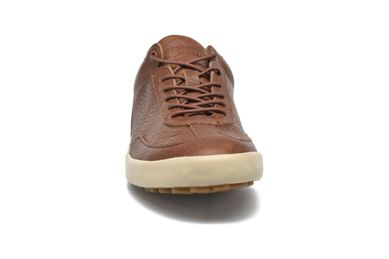 Chaussures à lacets Camper Pursuit K100126 Marron vue portées chaussures