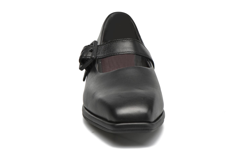 Ballerinas Camper Fidelia K200226 schwarz schuhe getragen