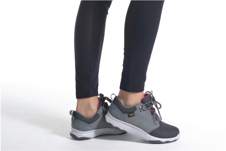 Chaussures de sport Teva Arrowood WP Gris vue bas / vue portée sac