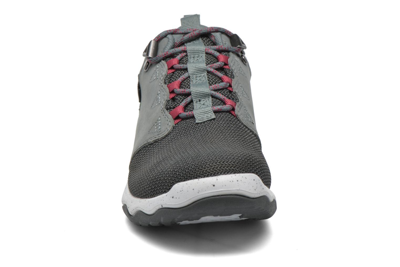 Chaussures de sport Teva Arrowood WP Gris vue portées chaussures