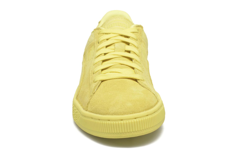 Baskets Puma Suede Classic Casual W Jaune vue portées chaussures