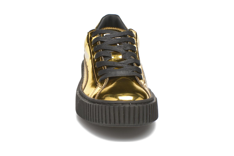 Sneakers Puma Wns Basket Platform Oro e bronzo modello indossato