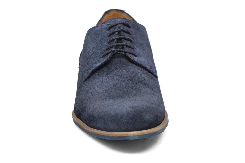 Zapatos con cordones HE Spring Max Azul vista del modelo