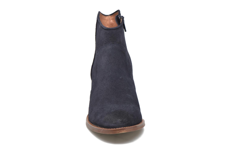Stivaletti e tronchetti Jonak Dakota Azzurro modello indossato