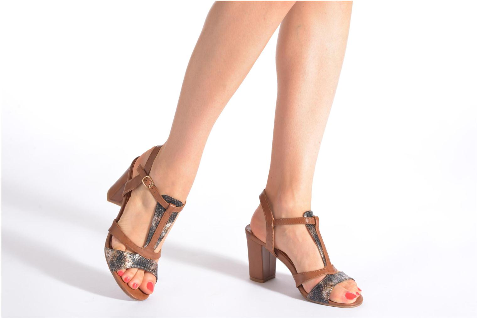 Sandals Divine Factory Yolina Brown view from underneath / model view
