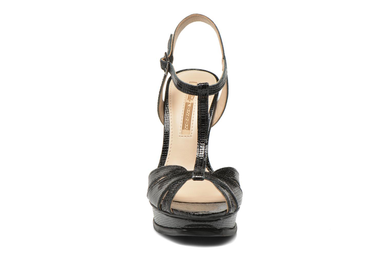 Sandali e scarpe aperte Buffalo Aya Nero modello indossato