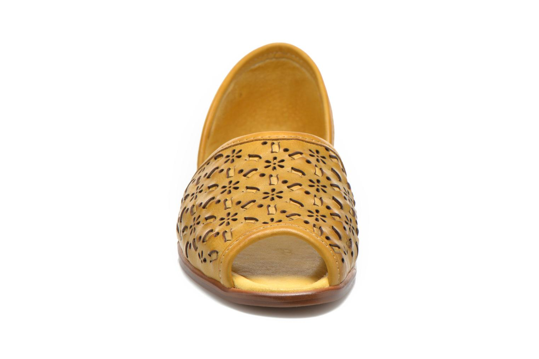 Ballerines Pikolinos Menorca W5B-CO1527 Jaune vue portées chaussures