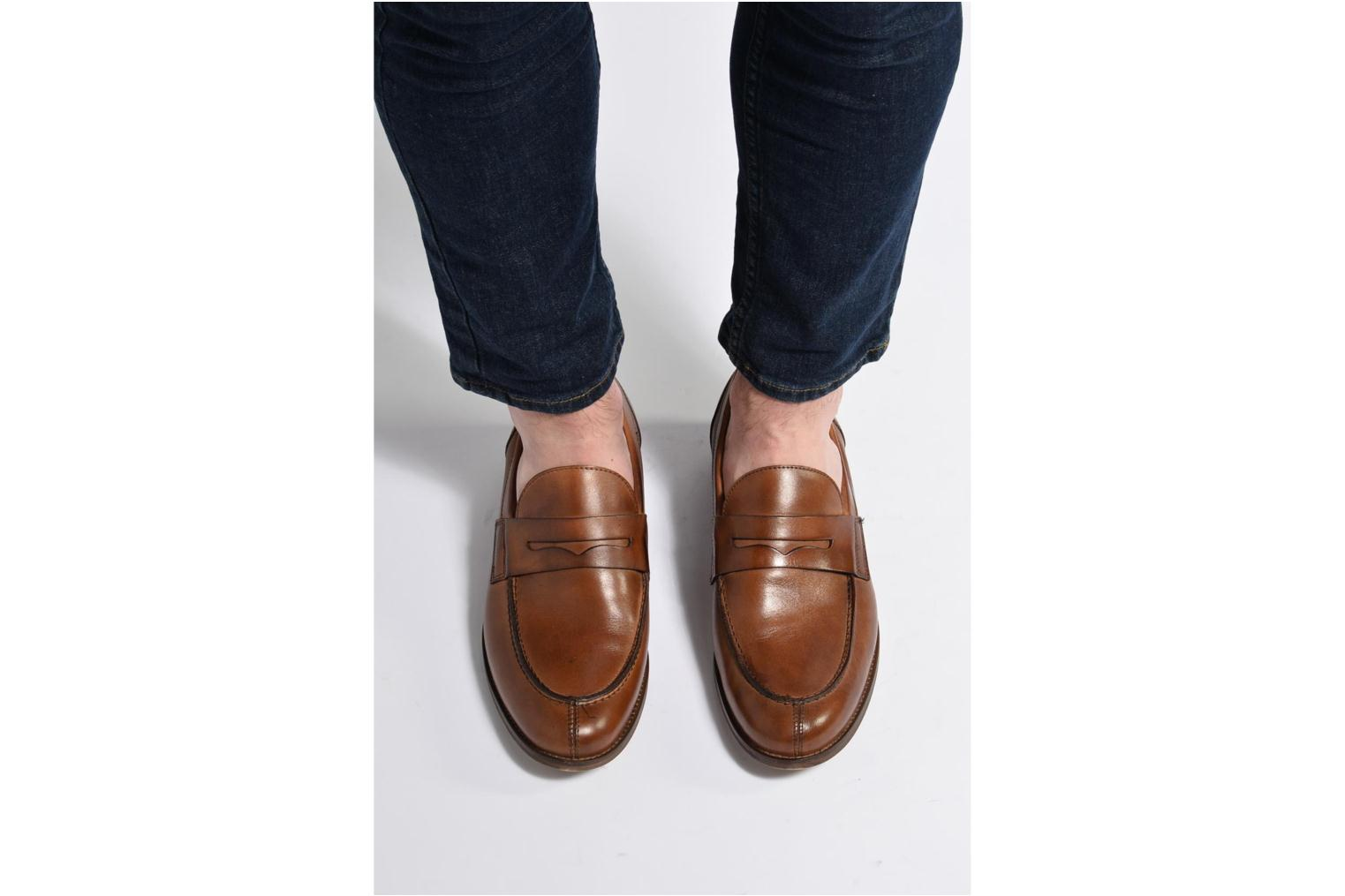 Loafers Marvin&co Nantlle Brown view from underneath / model view