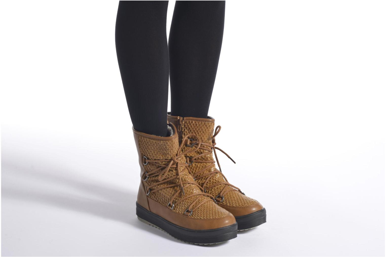 Chaussures de sport Kimberfeel Nadia Marron vue bas / vue portée sac