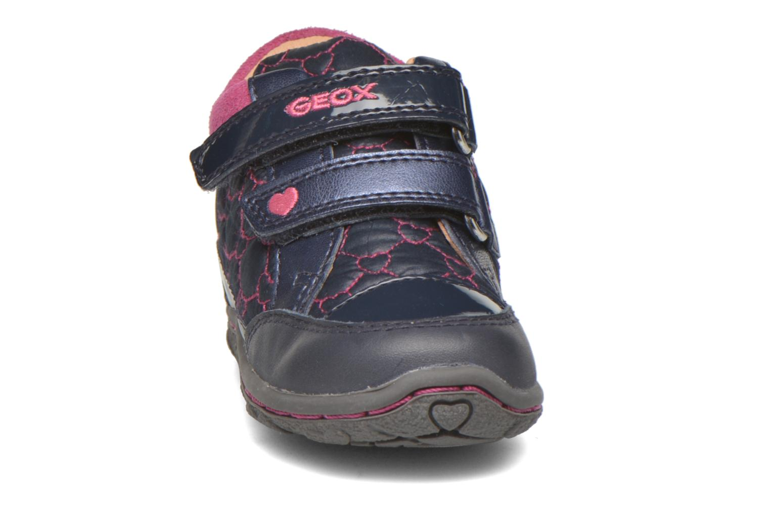 Baskets Geox Baby Lolly B5434I Bleu vue portées chaussures