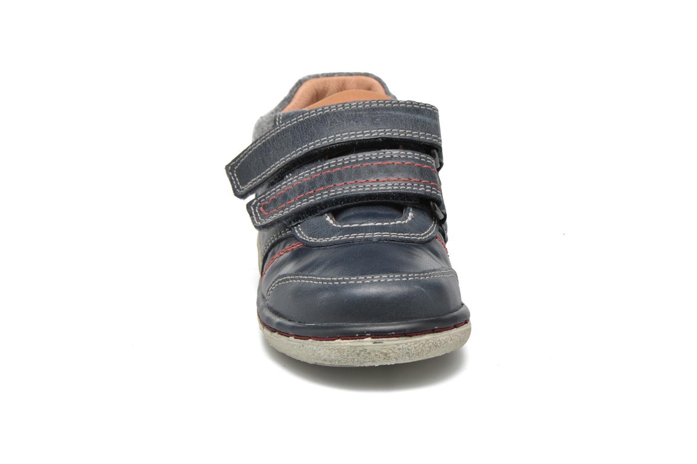 Baskets Geox Baby Flick Boy B5437I Bleu vue portées chaussures