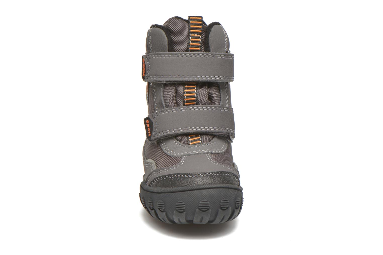 Bottines et boots Geox B Gulp B Boy ABX B4402D Gris vue portées chaussures