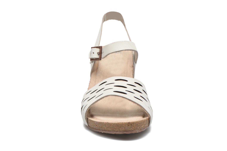 Sandales et nu-pieds TBS Riffah Blanc vue portées chaussures