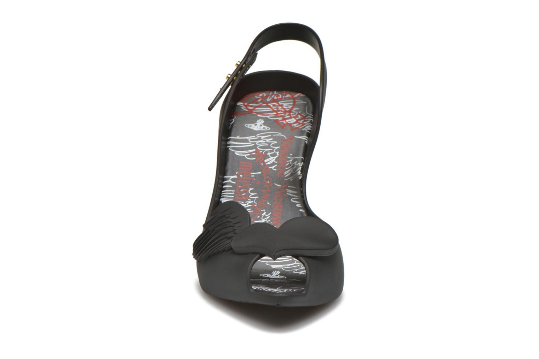Sandales et nu-pieds Melissa Viviennne Westwwod lady dragon Noir vue portées chaussures