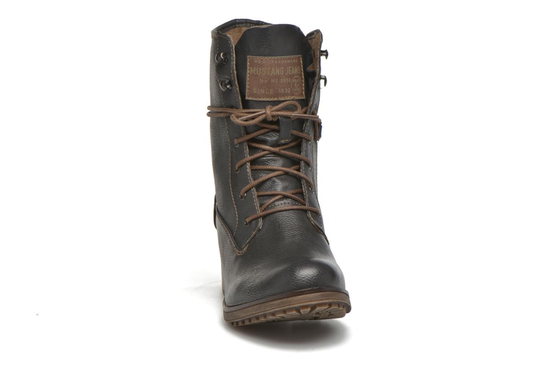 Bottines et boots Mustang shoes Muasta Gris vue portées chaussures