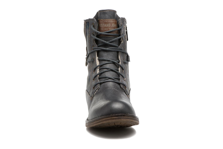 Bottines et boots Mustang shoes Manat Gris vue portées chaussures
