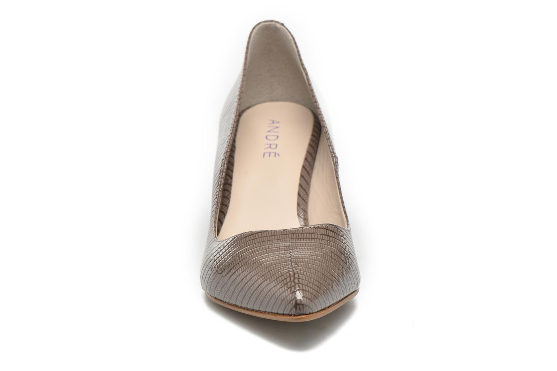 High heels André Parissa Grey model view