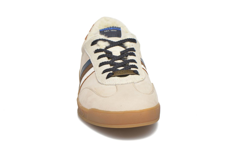 Sneakers Serafini Flat Verbier Beige modello indossato