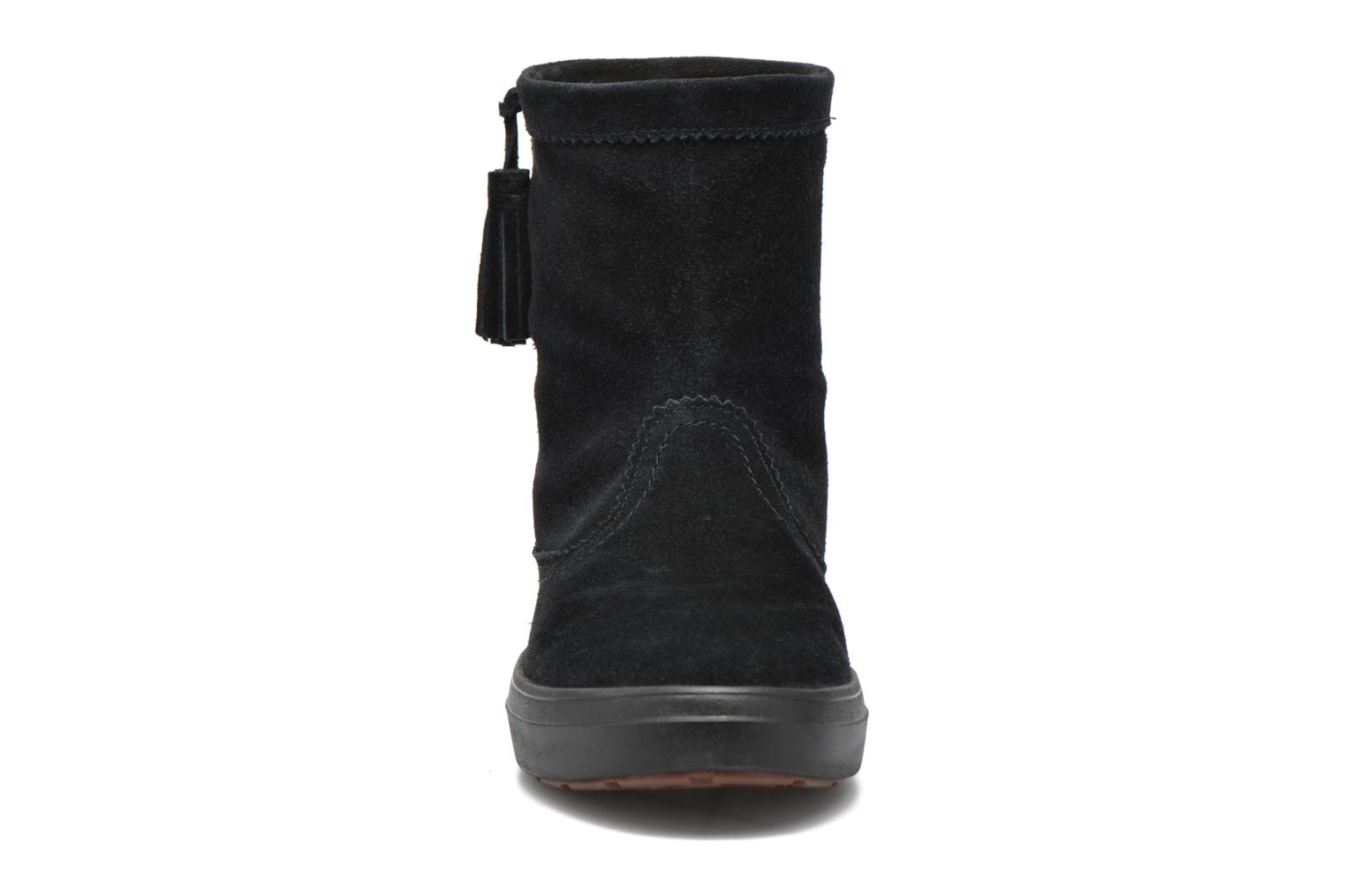 Ankle boots Crocs Lodgepoint Suede Pullon Boot W Black model view