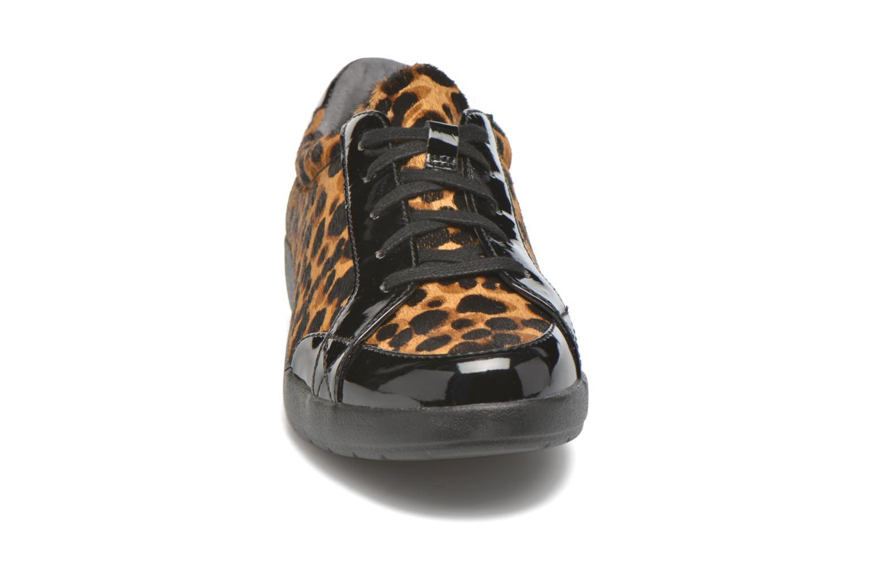 Baskets Rockport Delaire Marron vue portées chaussures