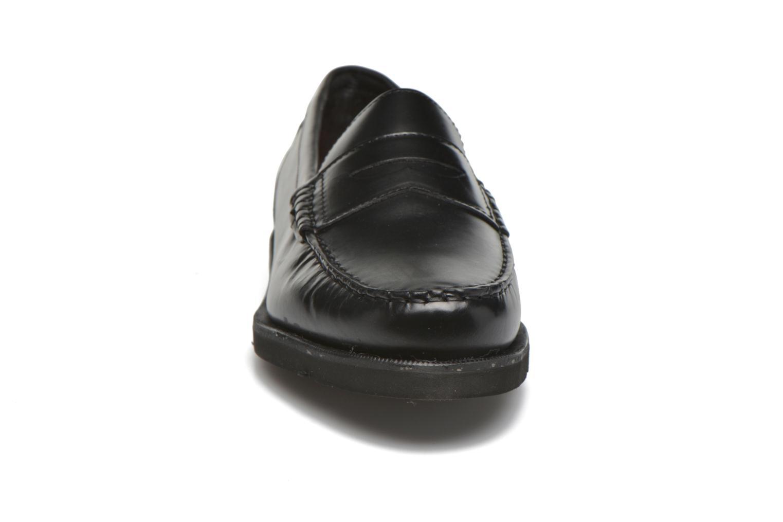 Mocassini Rockport Penny Loafer Nero modello indossato