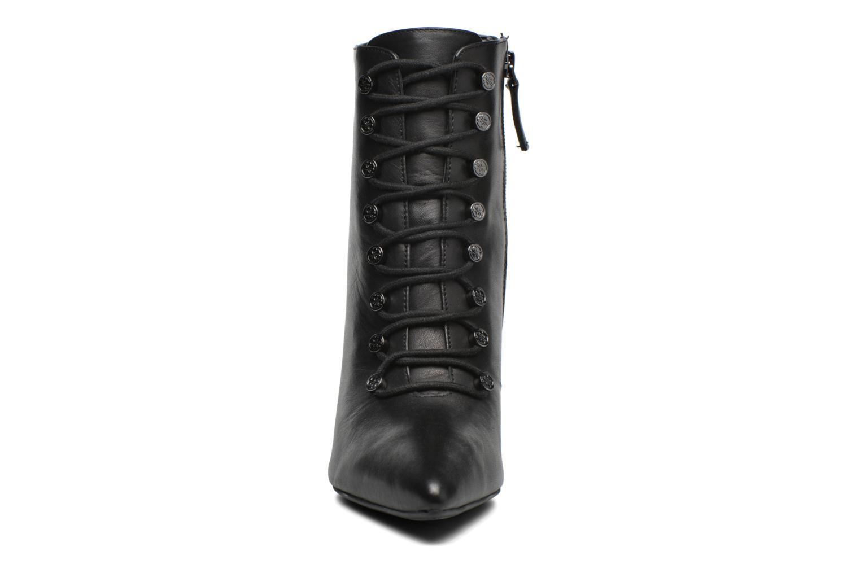 Bottines et boots Guess Mavi Noir vue portées chaussures