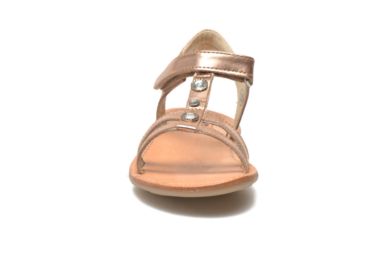 Sandali e scarpe aperte Noël Solène Rosa modello indossato