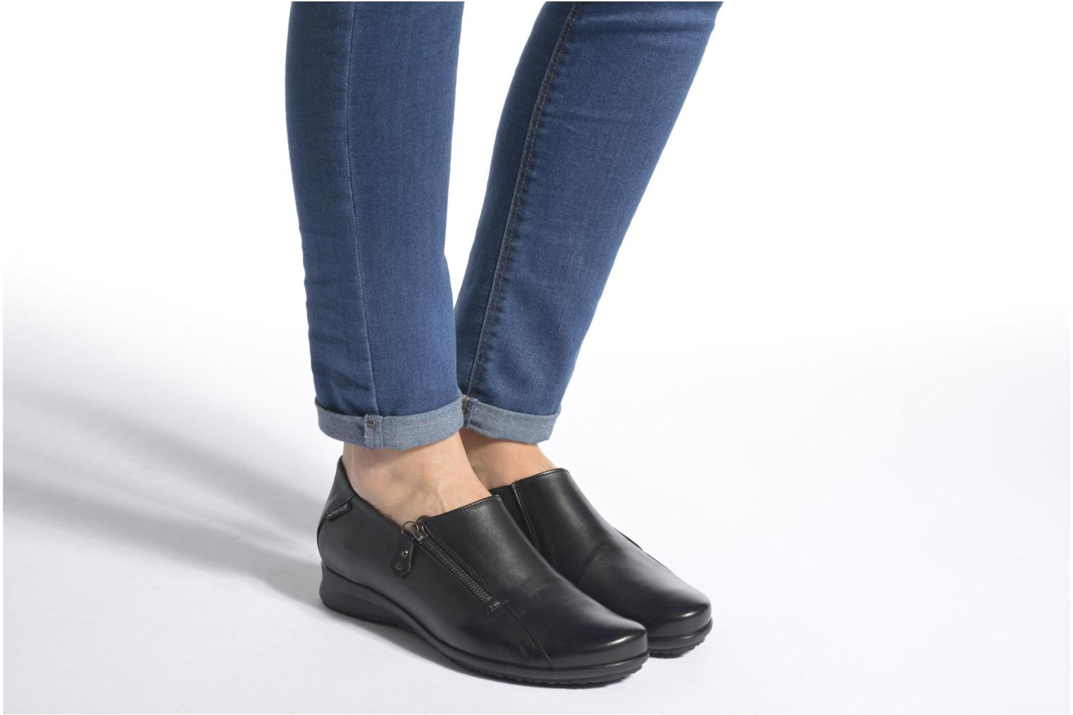 Loafers Mephisto Faye Black view from underneath / model view