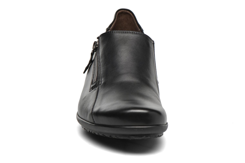 Mocassins Mephisto Faye Noir vue portées chaussures